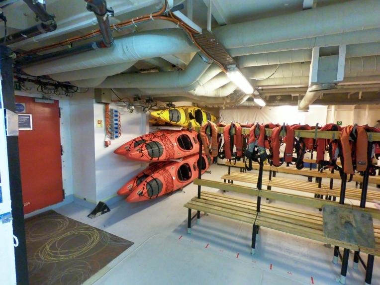 Kayaks im Mudroom